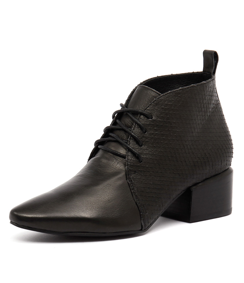 Silent D Slope Black-Black Square Cut Boots