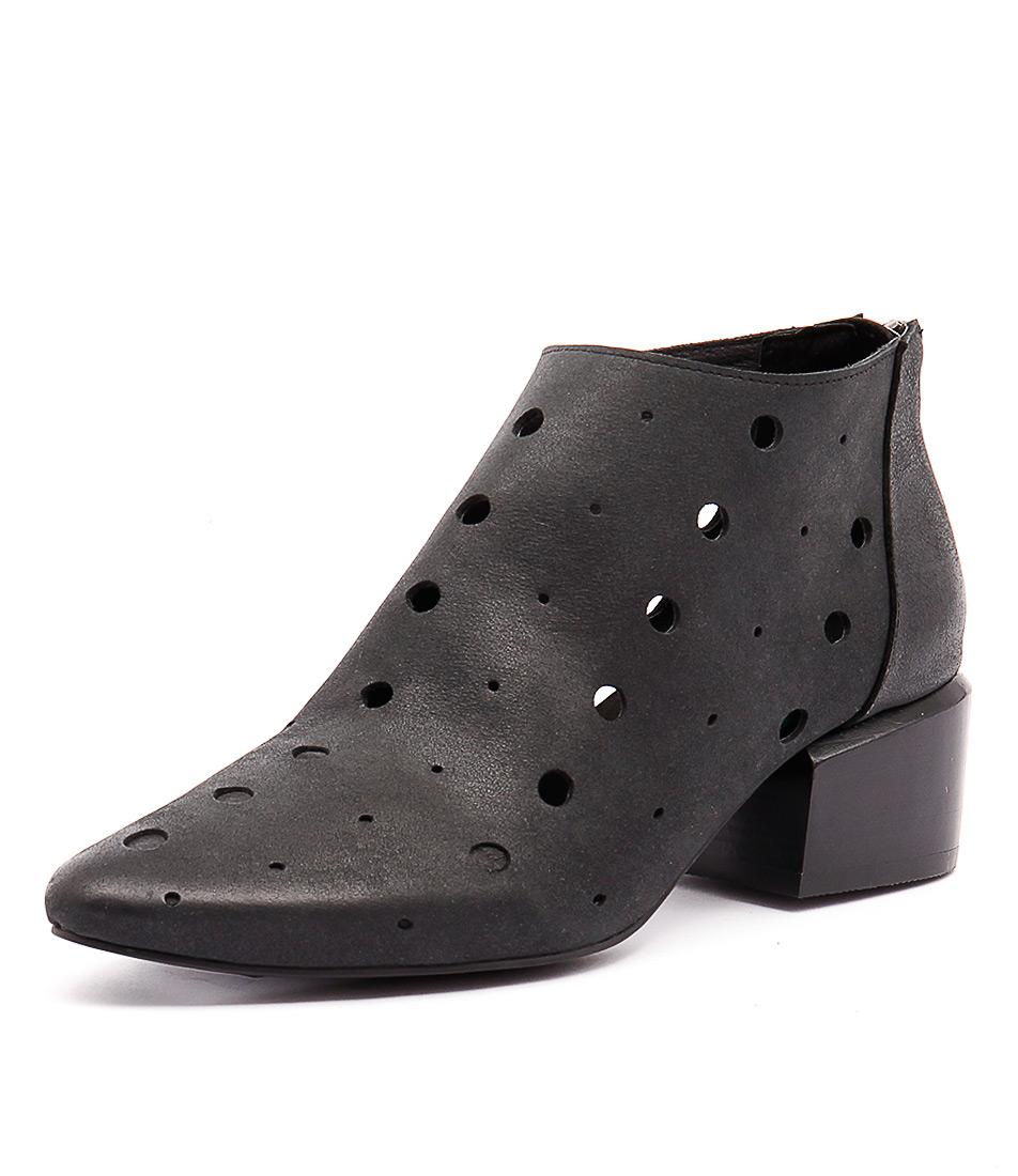Silent D Slam Black Boots