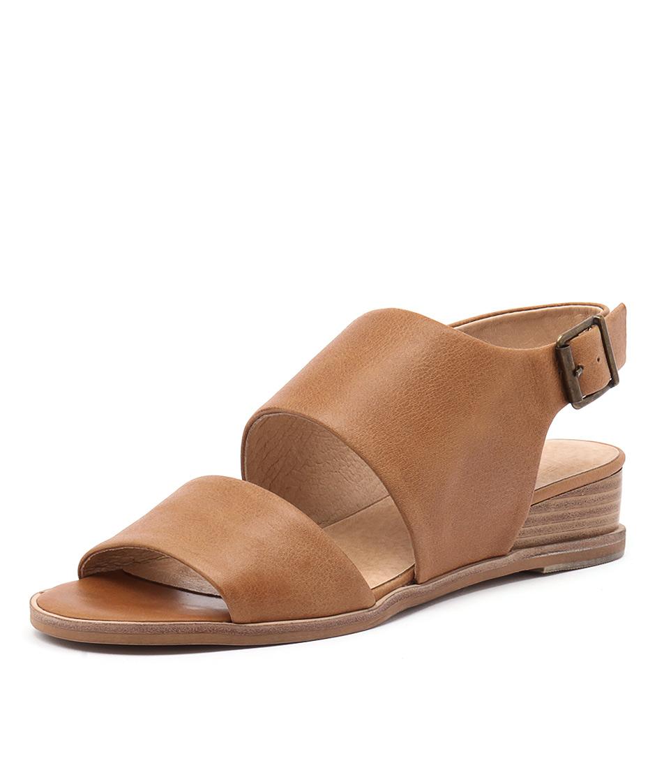 Silent D Gling Tan Punch Sandals