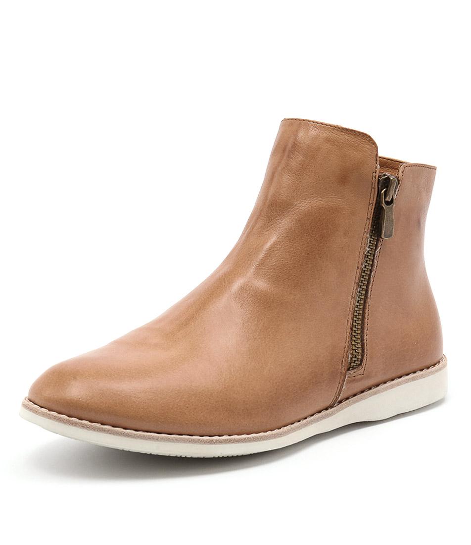 Silent D Narelle Tan Boots