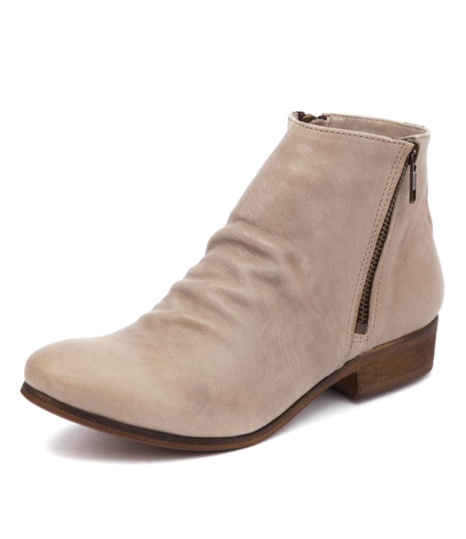 Sofia Cruz Narelle Beige Boots