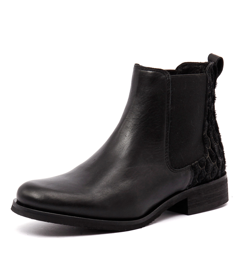 Sofia Cruz Packer Black Boots