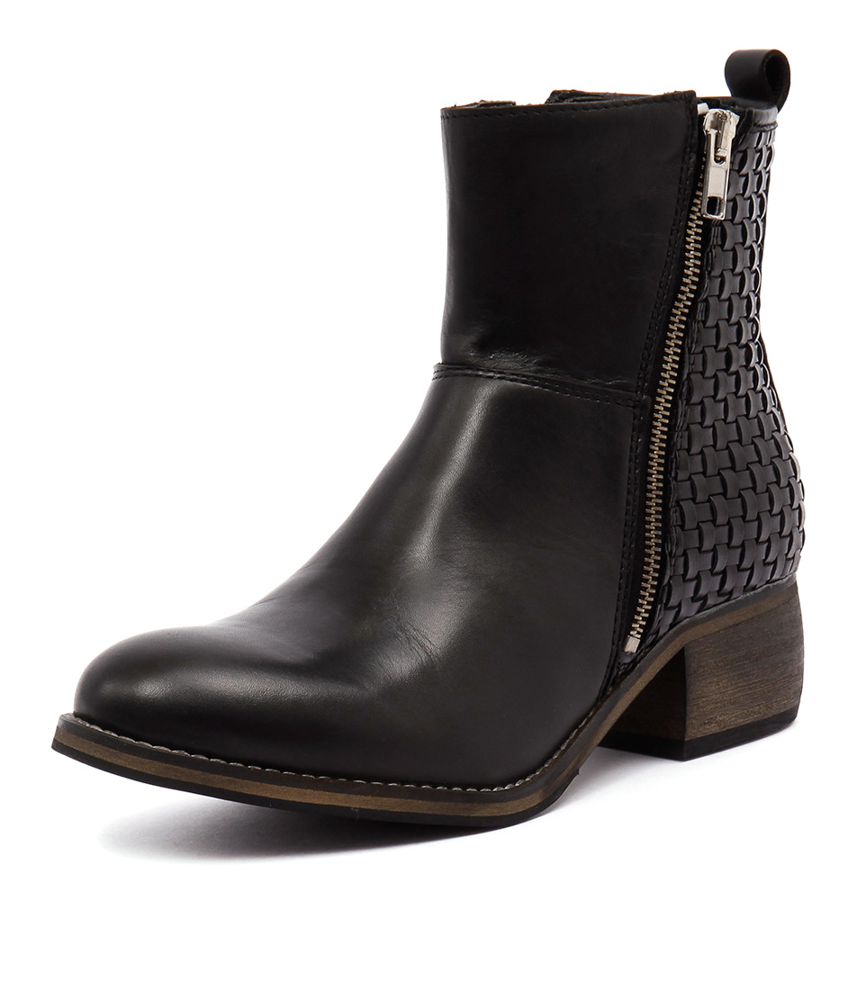 Sofia Cruz Patch Black Boots