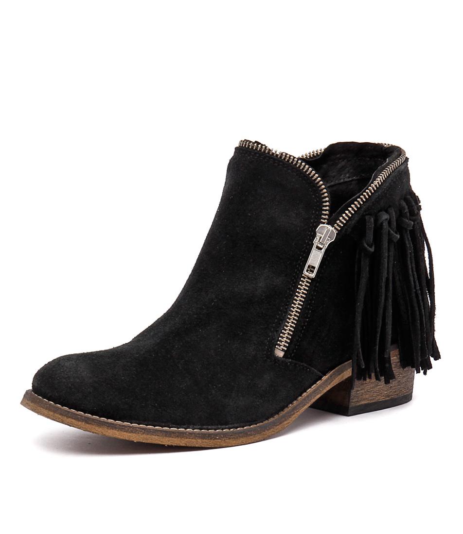 Sofia Cruz Paige Black Boots
