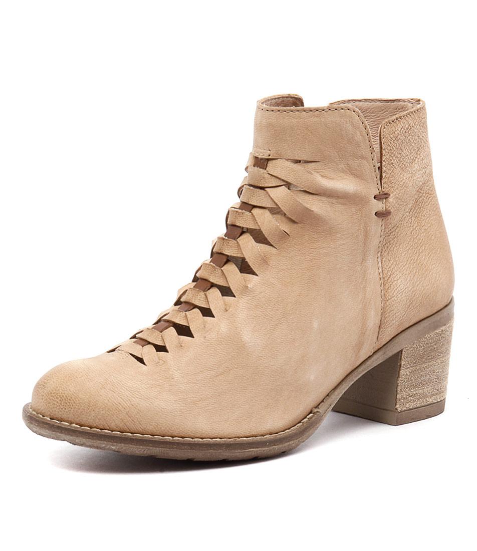 Sofia Cruz Pinto Firt 18 Beige-Camel Boots online