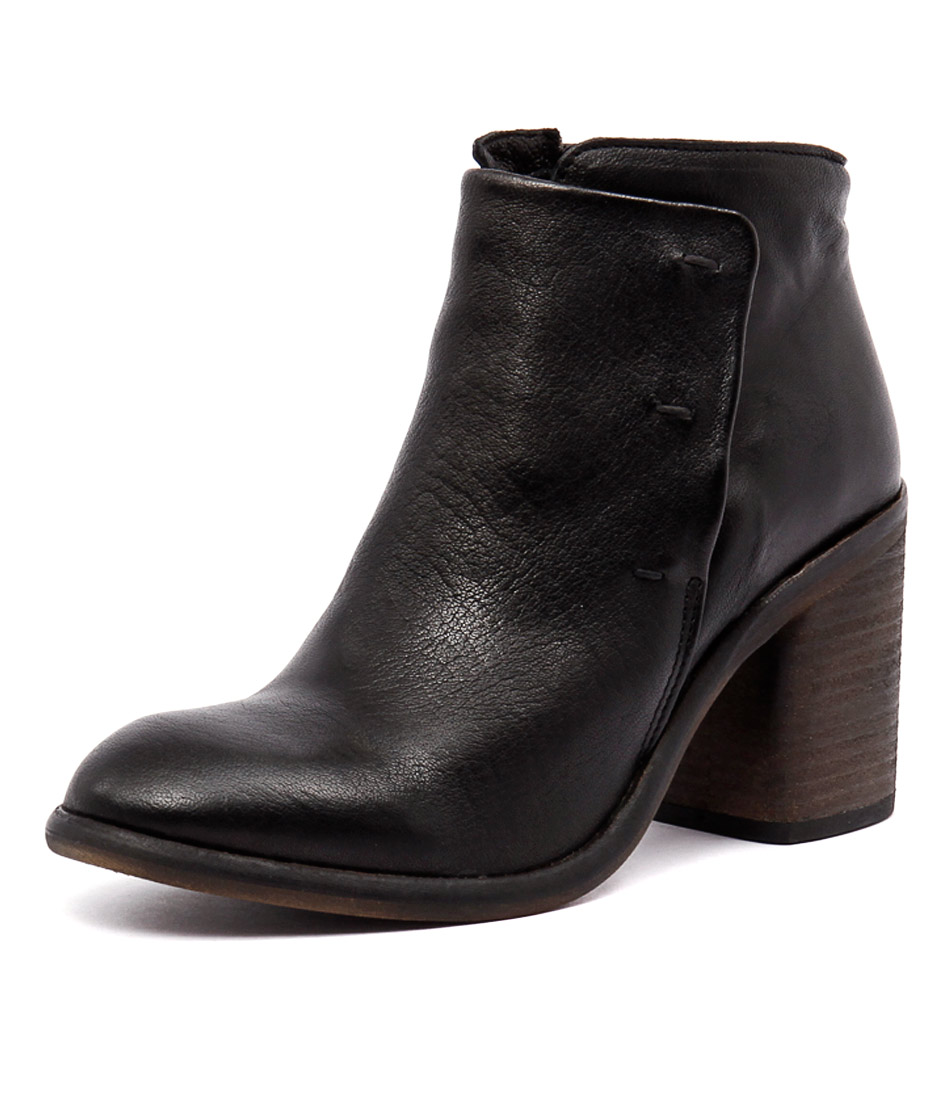 Sofia Cruz October Black Boots