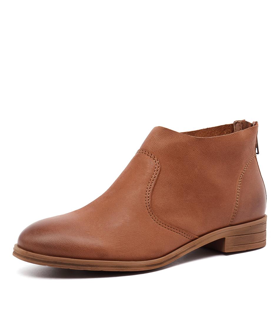 Sofia Cruz Olson Cognac Boots