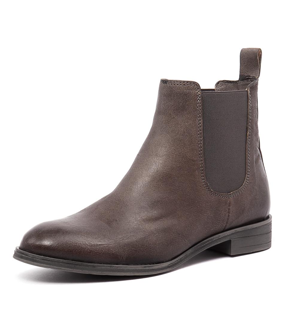 Sofia Cruz Olivia Grey Boots