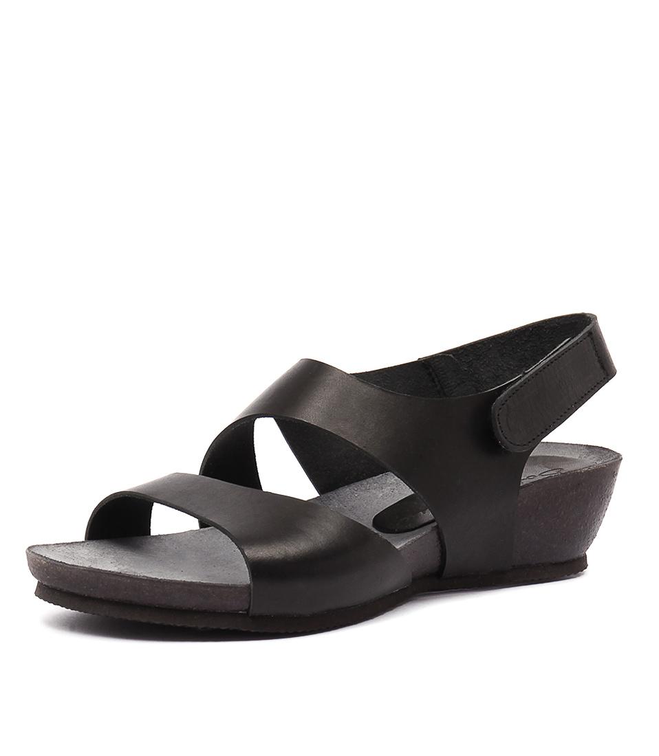 Sofia Cruz Millie Negro Sandals