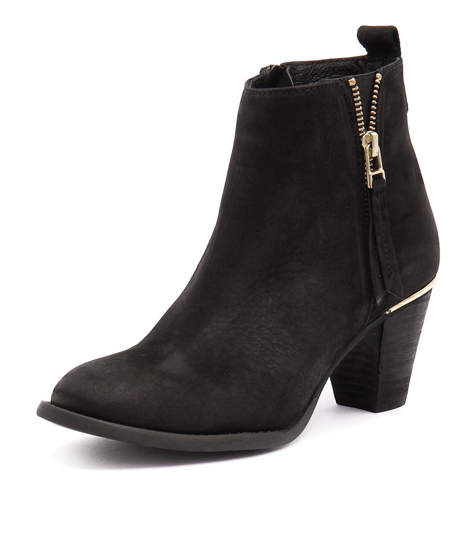 Steve Madden Wantaghh Black Boots