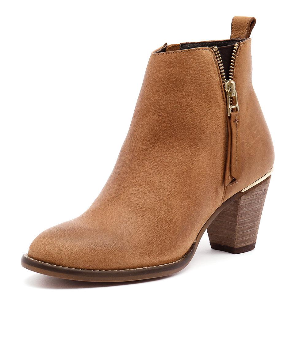 Steve Madden Wantaghh Cognac Boots