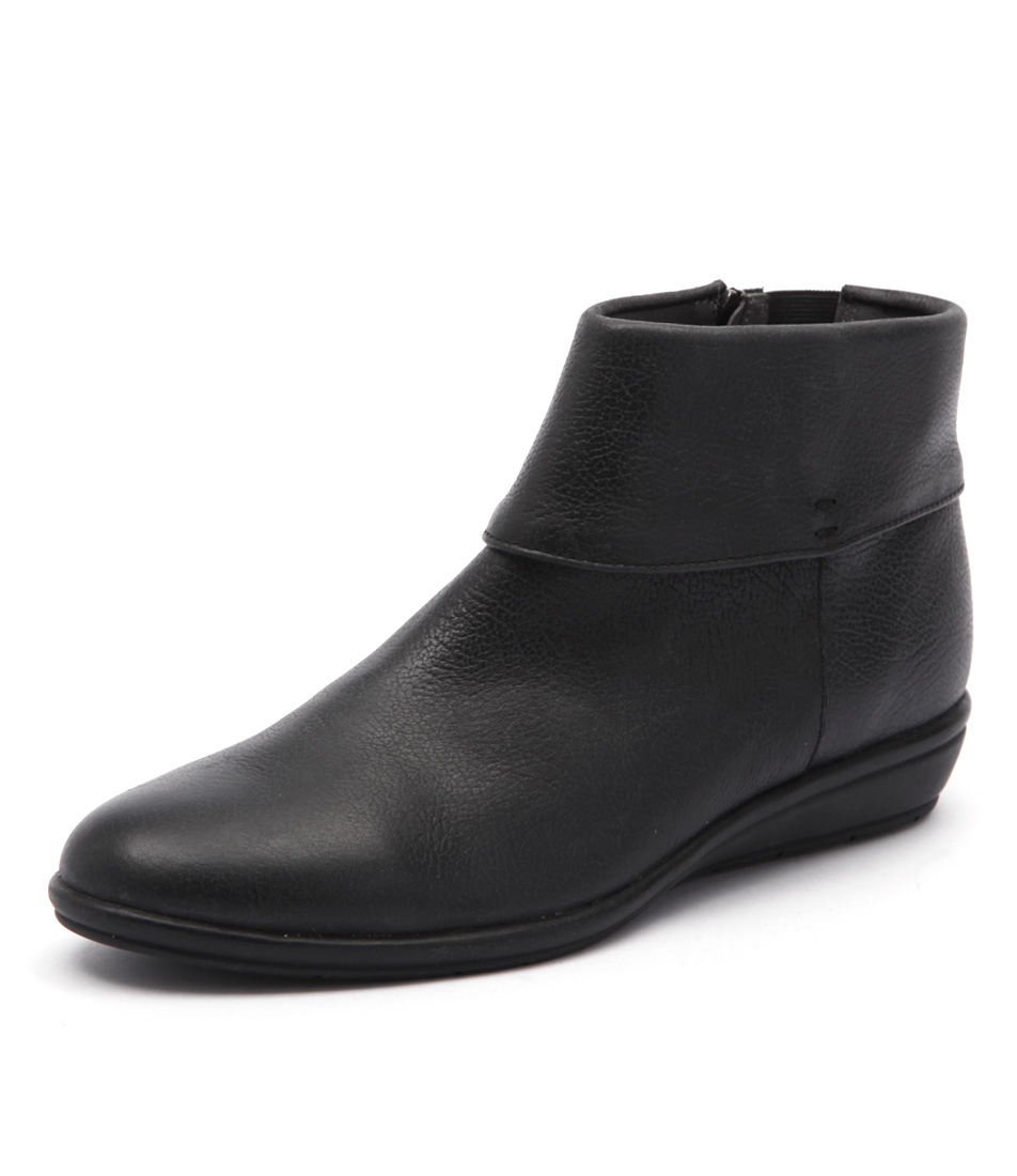 Supersoft by Diana Ferrari Felice Black Casual Boots