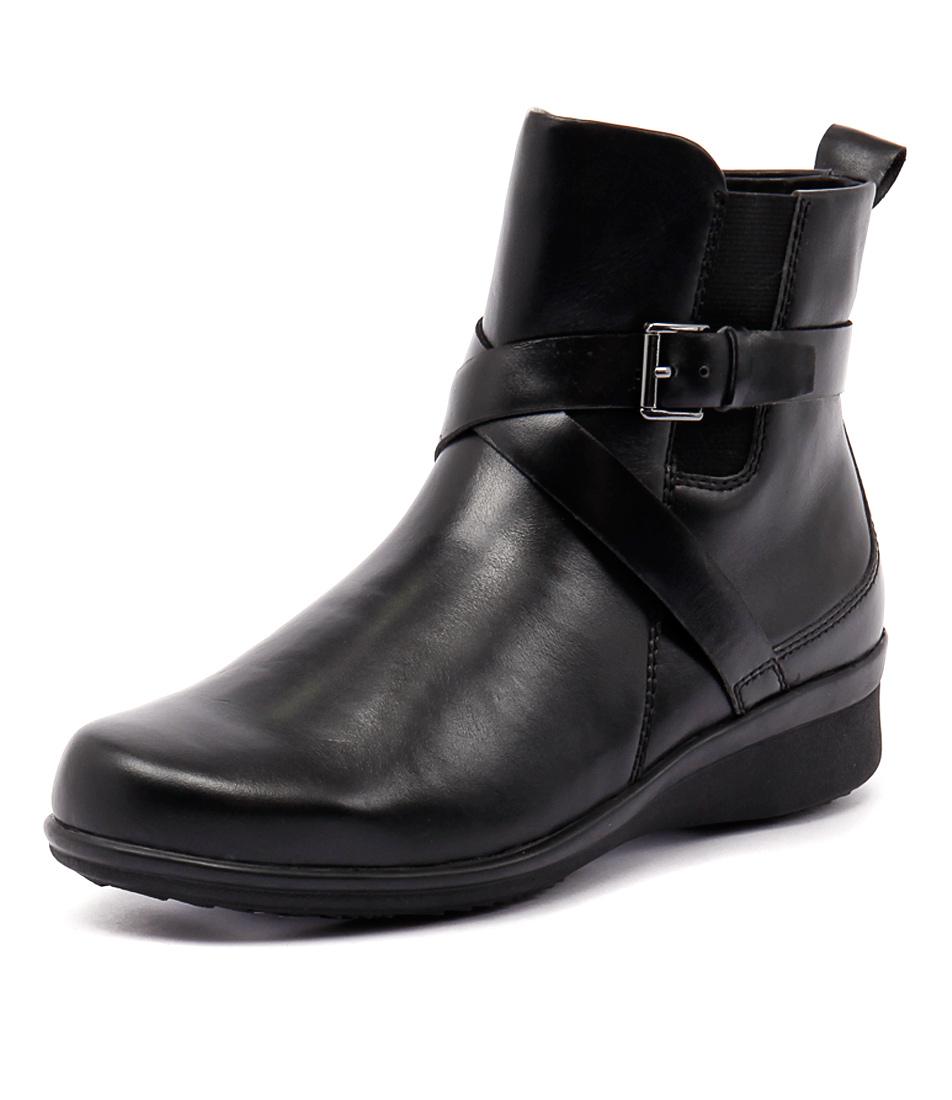 Supersoft by Diana Ferrari Lynbrook Black Boots