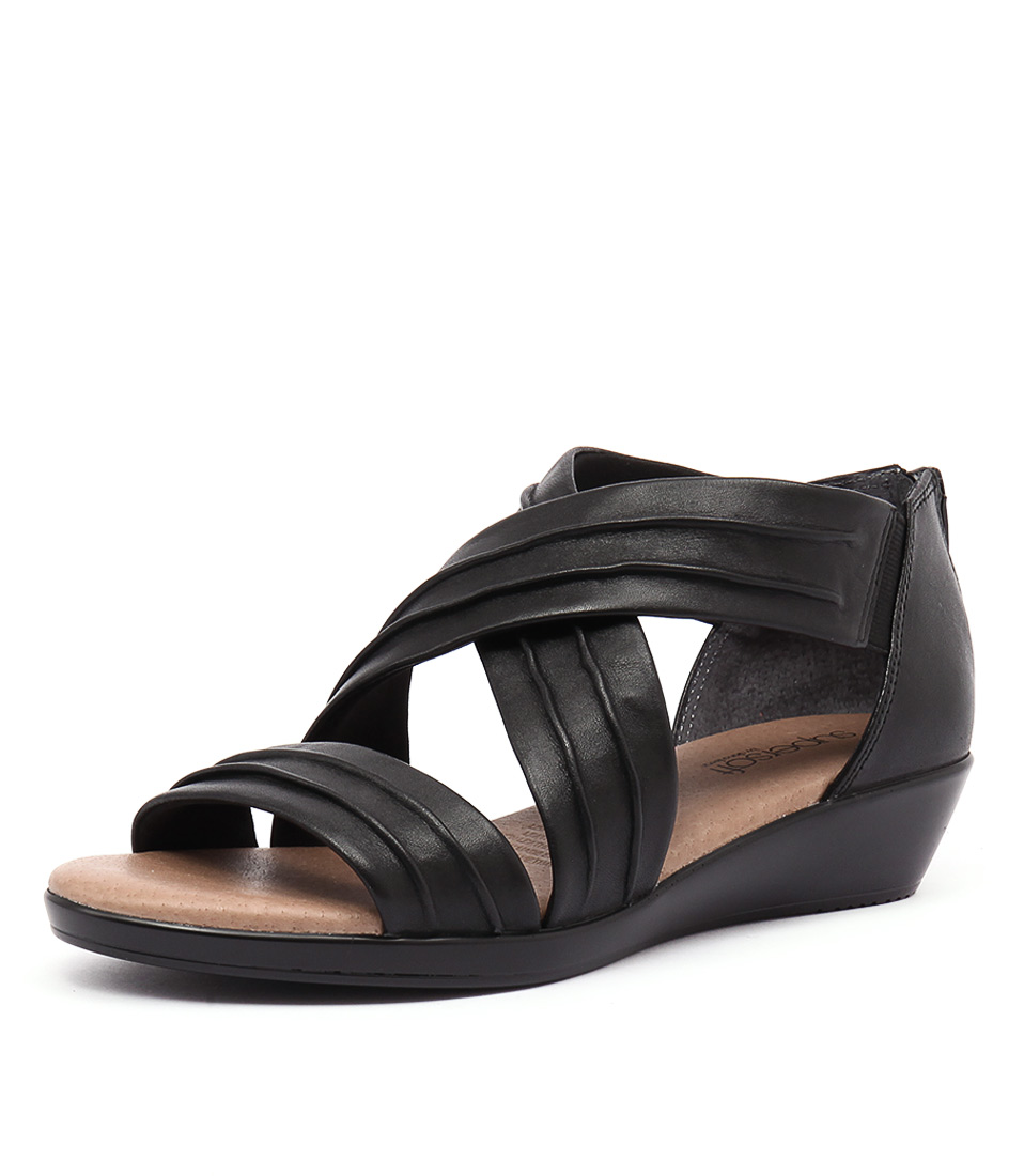 Supersoft by Diana Ferrari Vora Black Sandals
