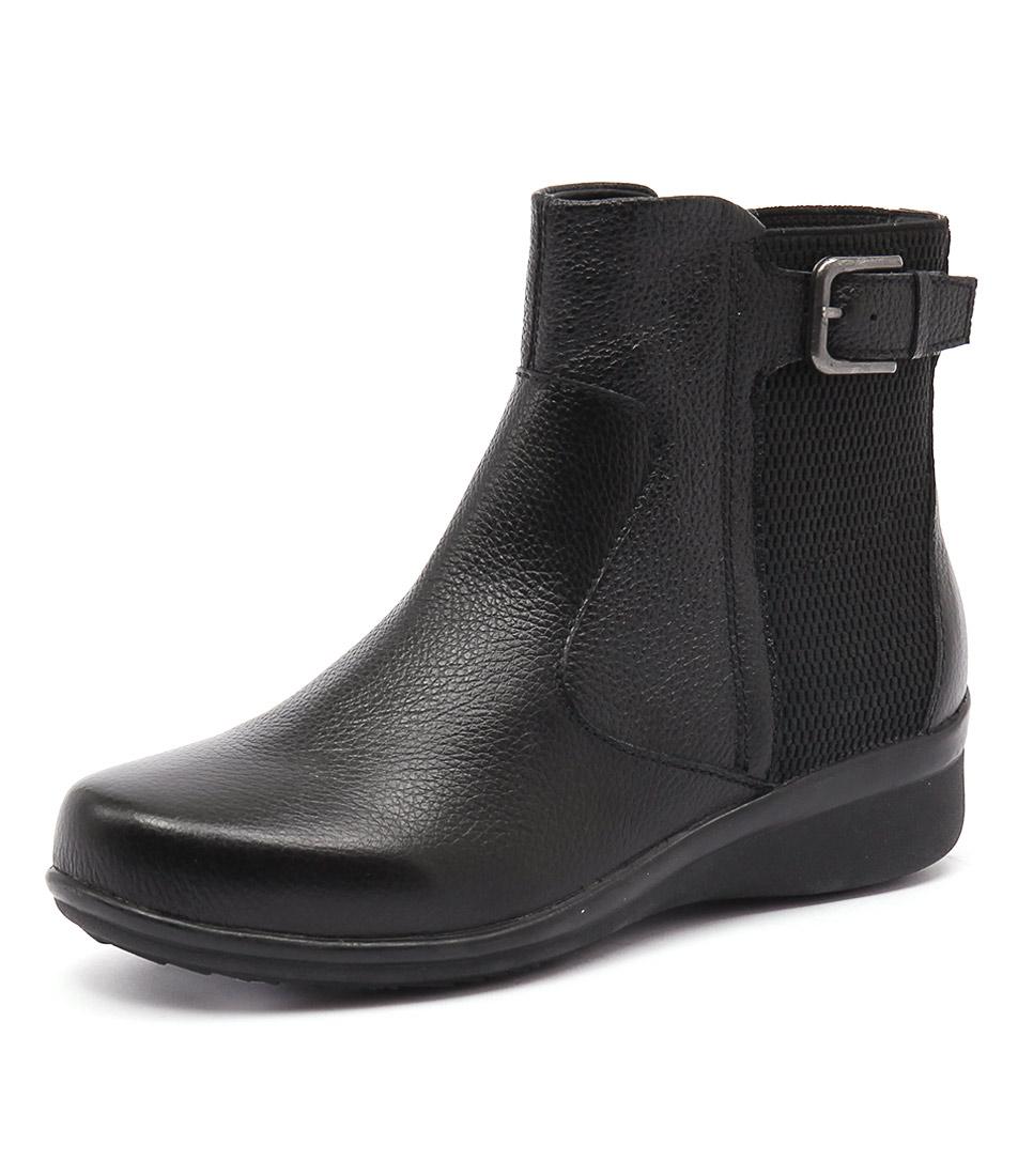 Supersoft by Diana Ferrari Libbie Black Boots
