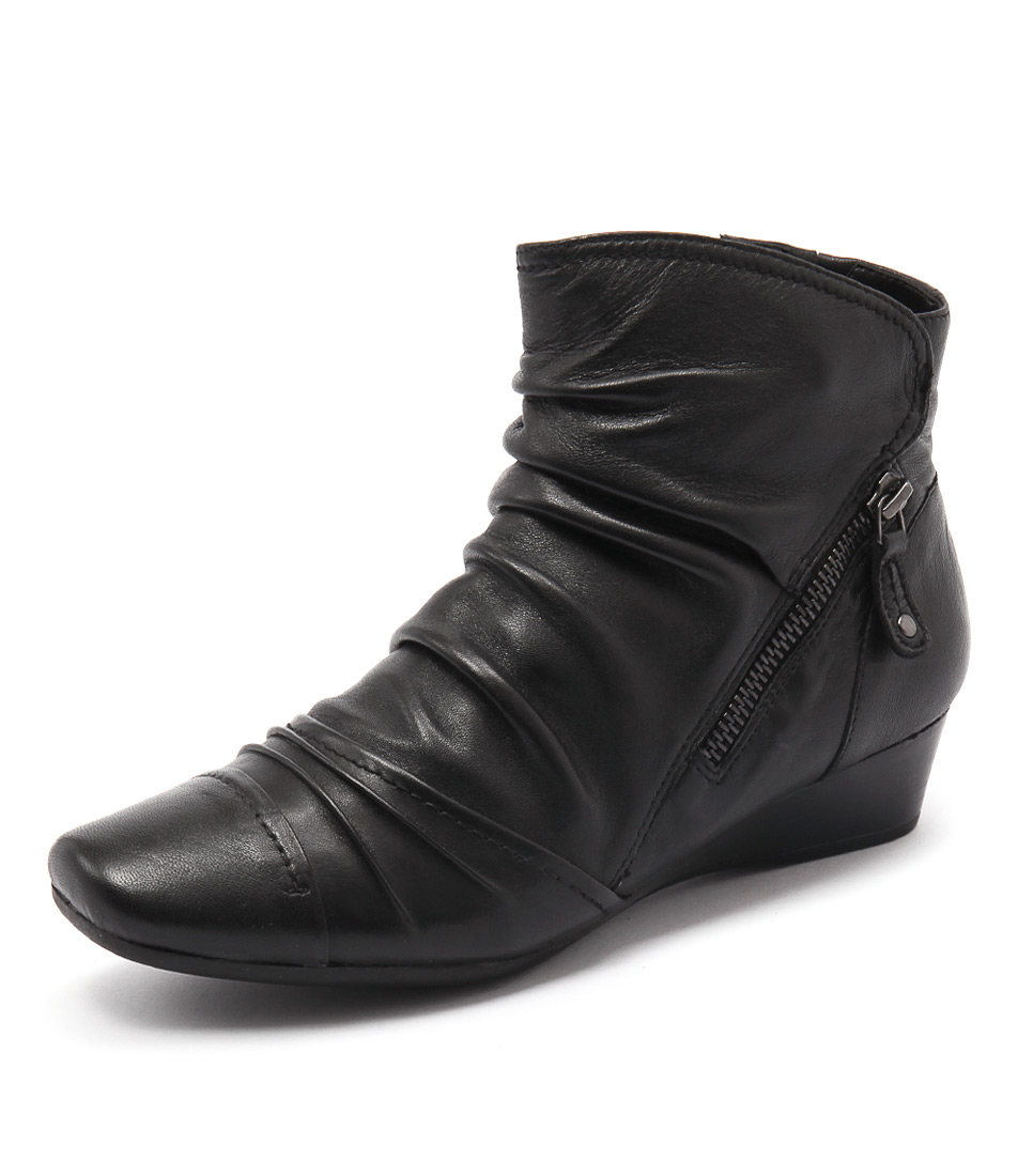 Supersoft by Diana Ferrari Raines Black Boots