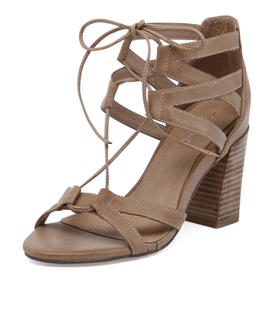 Top End Clemm Tan Sandals