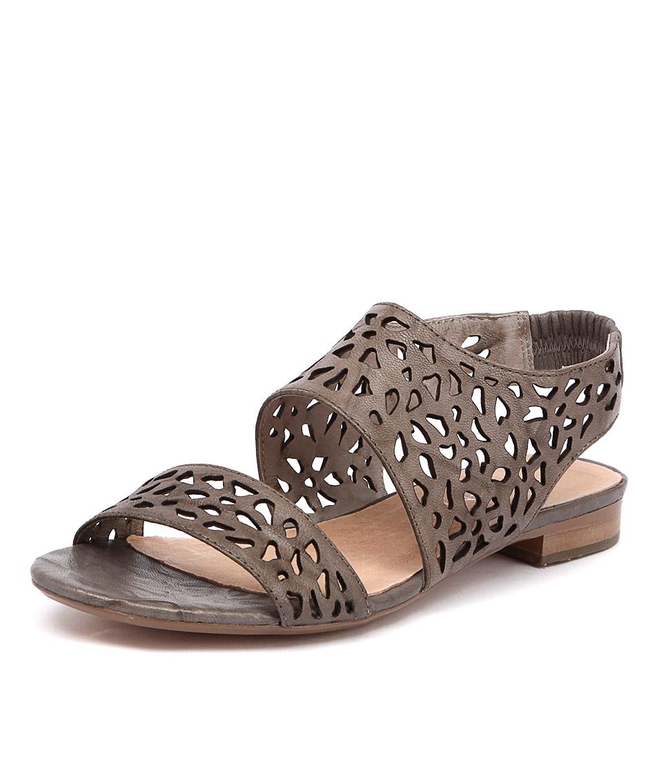 Top End Paul Light Grey Shrunken Sandals