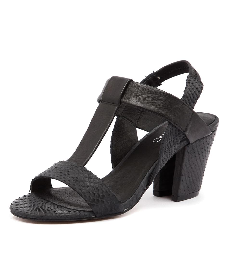 Top End Vassik Black Snake-Black Leather Sandals