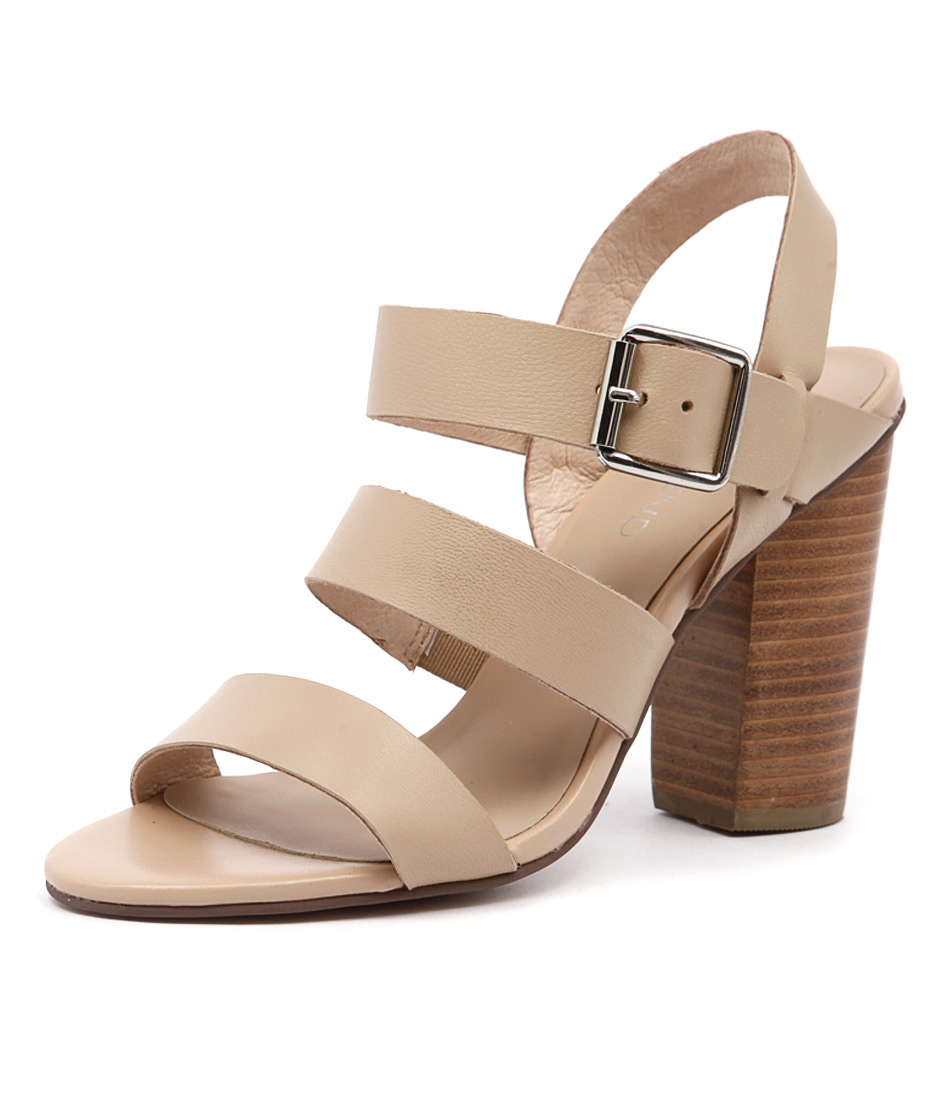 Top End Wizz Nude Sandals