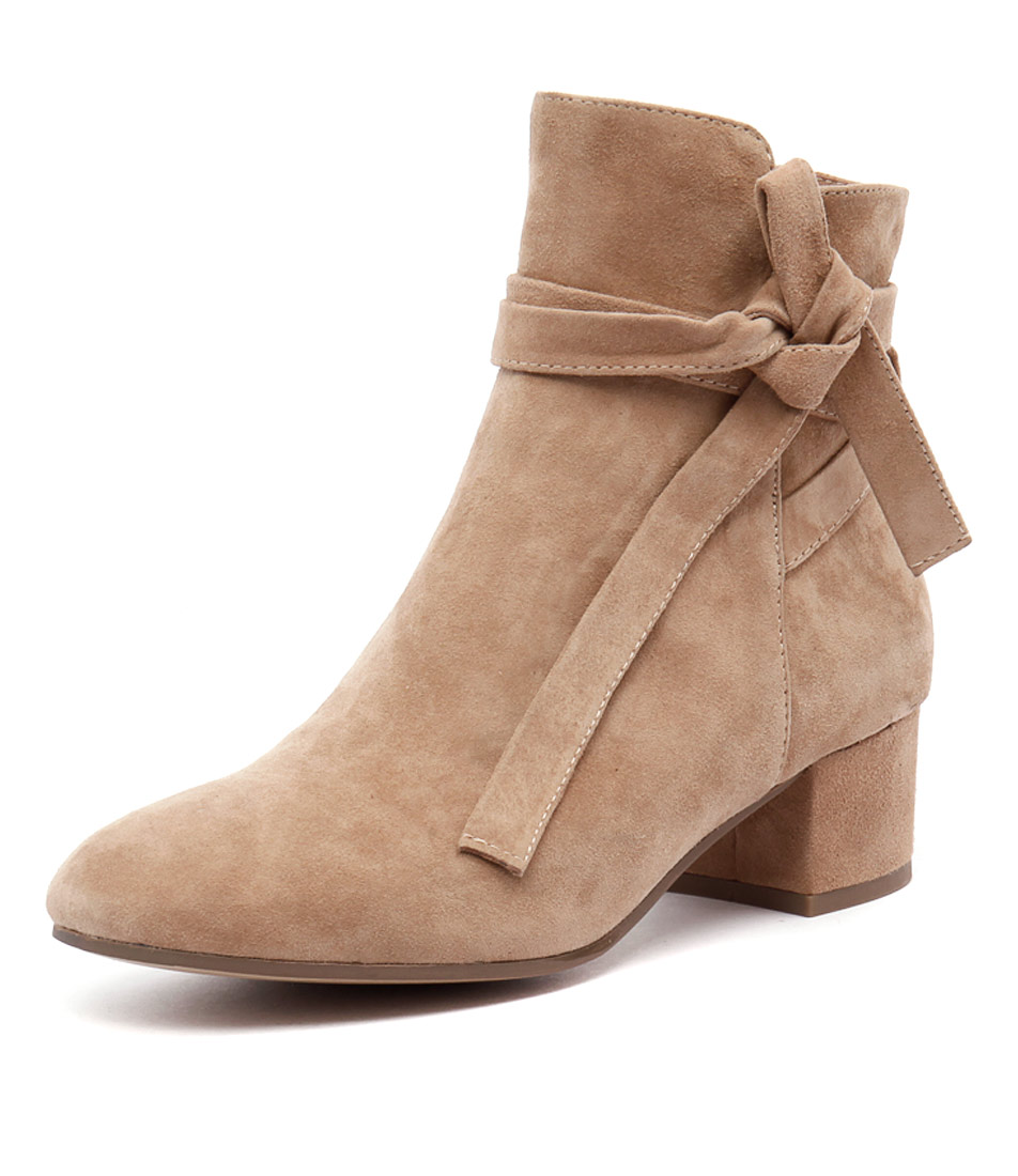 Top End Galop Beige Suede Boots