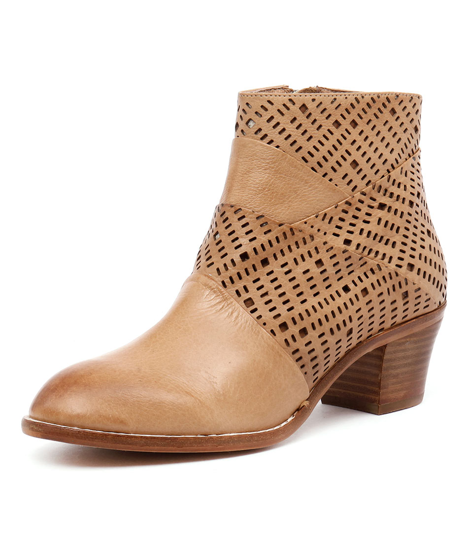 Top End Icant Tan Laser Leather Boots