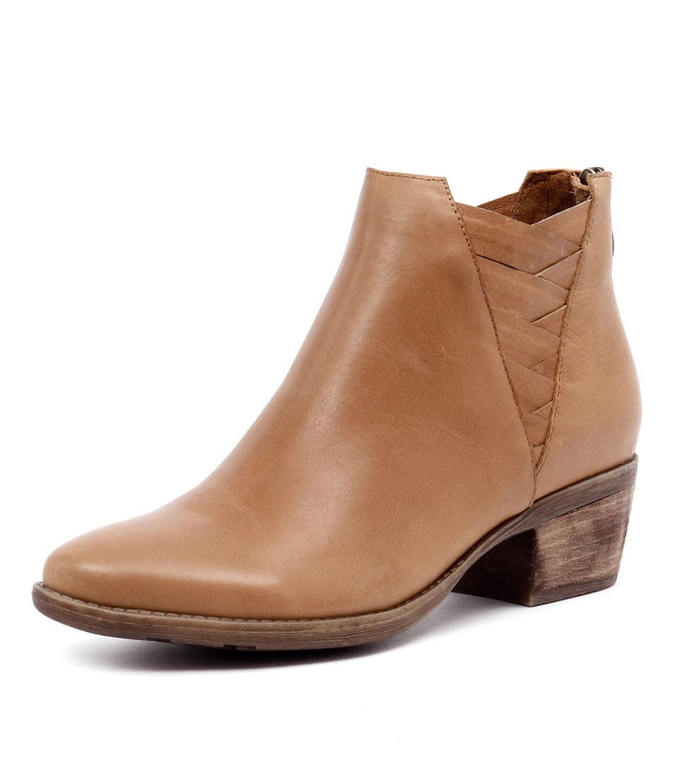 Top End Serious Tan Leather Boots