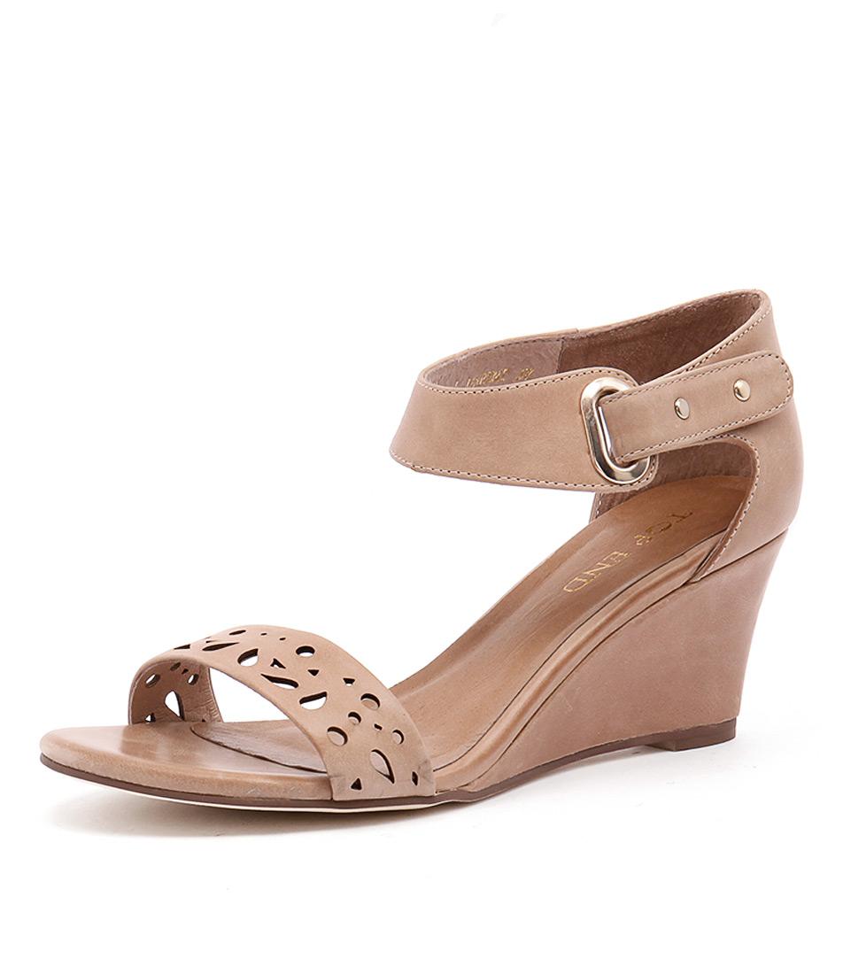Top End Unbent Latte Sandals