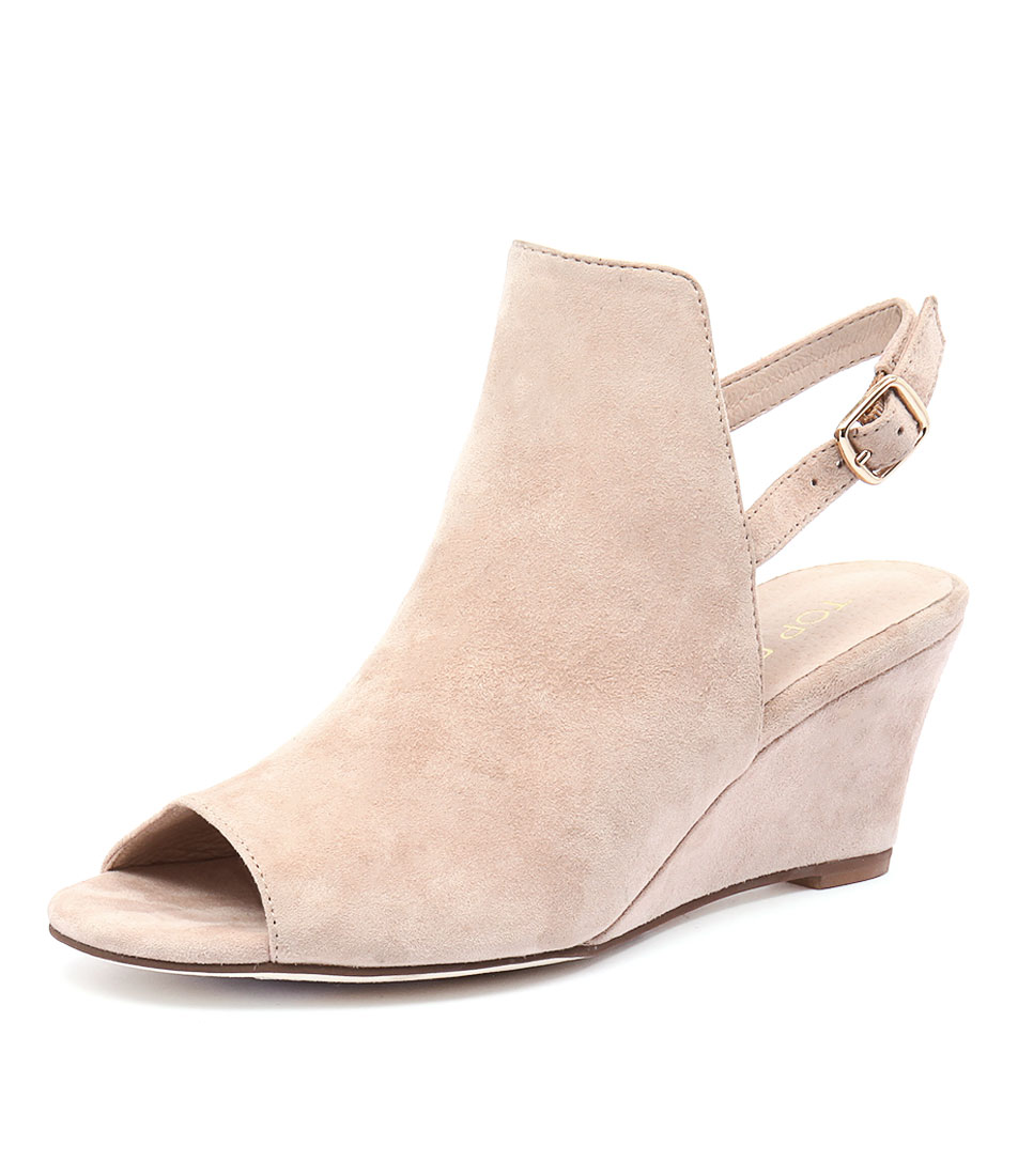 Top End Ugoo Nude Suede Shoes