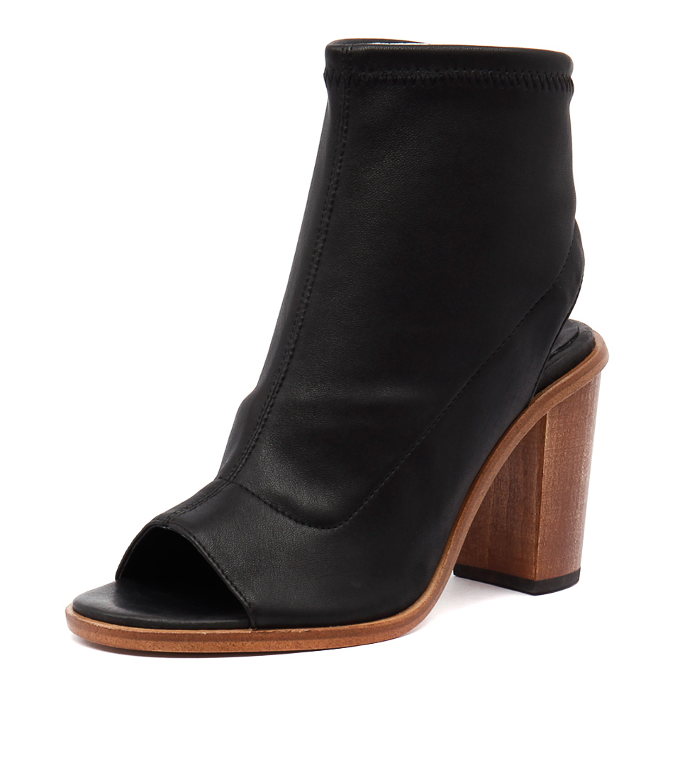 Top End Clap Black Boots