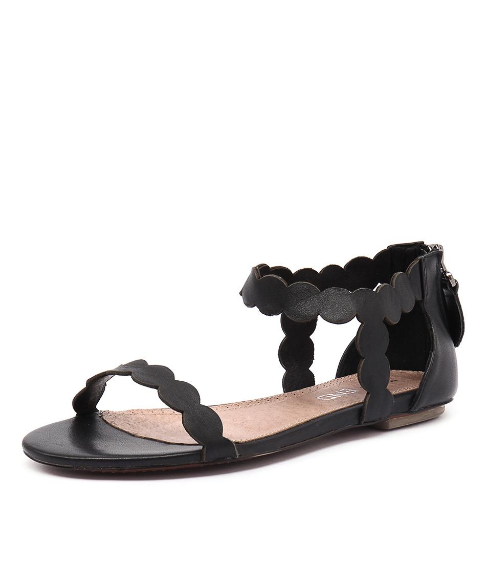 Top End Plause Black Sandals