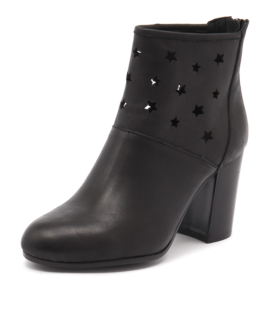 Top End Wealth Black Boots