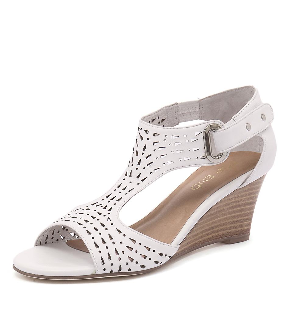 Top End Udukka White Sandals