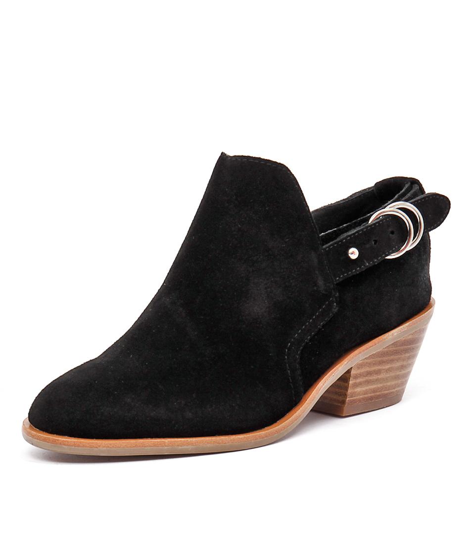 Urge Reme Black Boots
