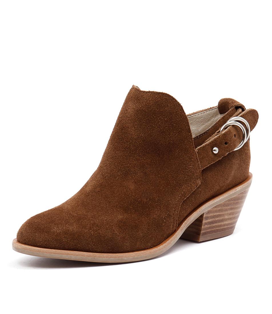 Urge Reme Tan Boots