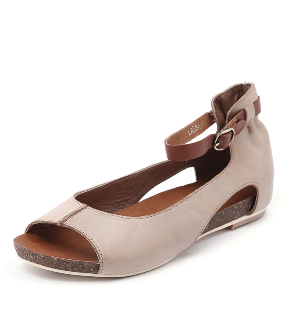 Django & Juliette Laksa Taupe Shoes