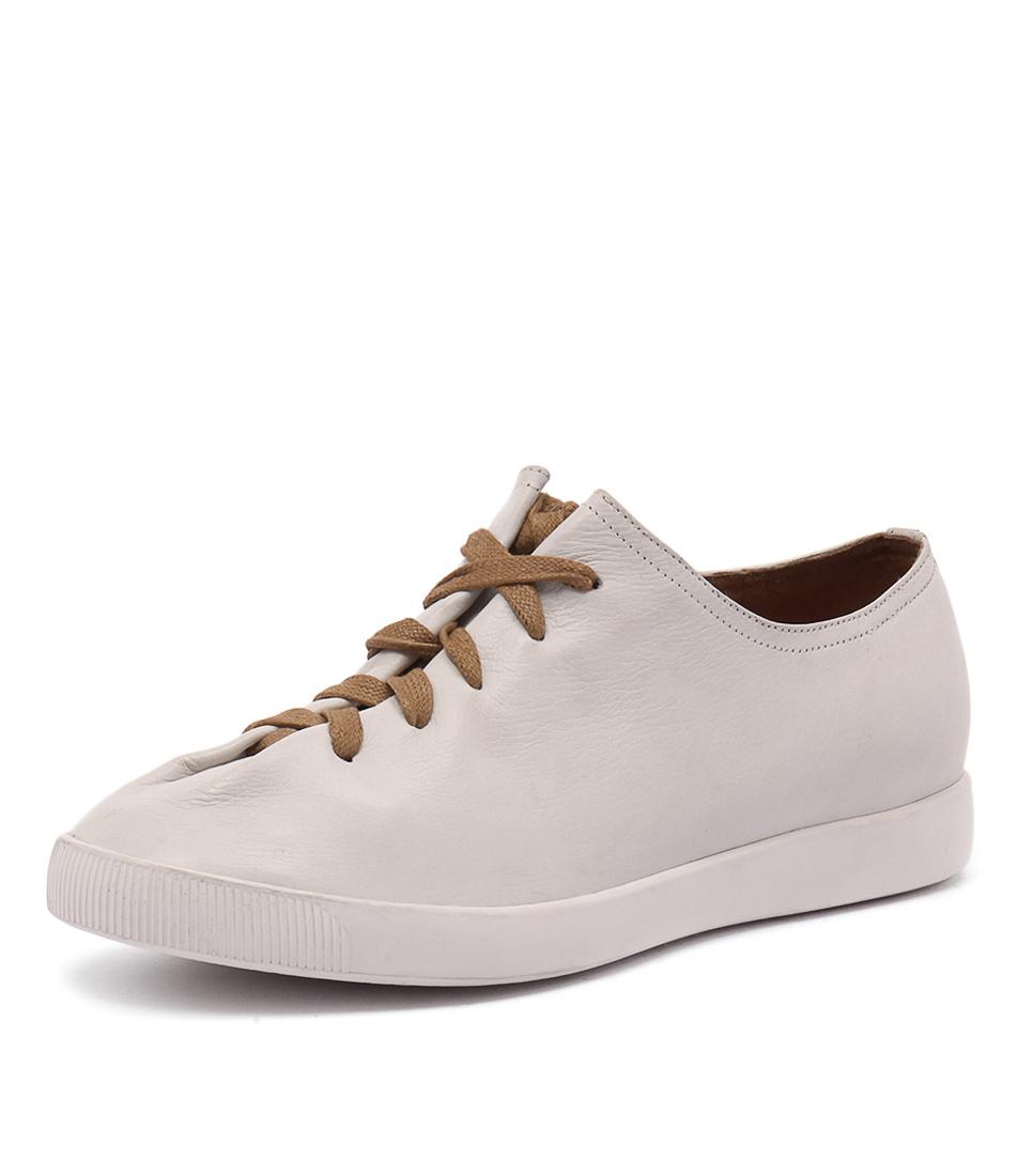 Django & Juliette Gangly White Shoes