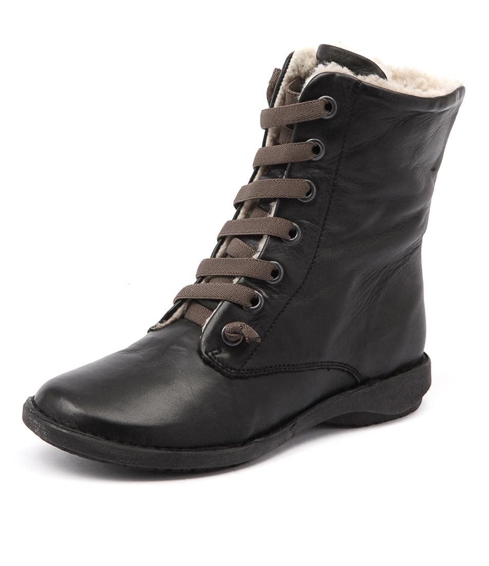 Effegie Sukida Black Boots