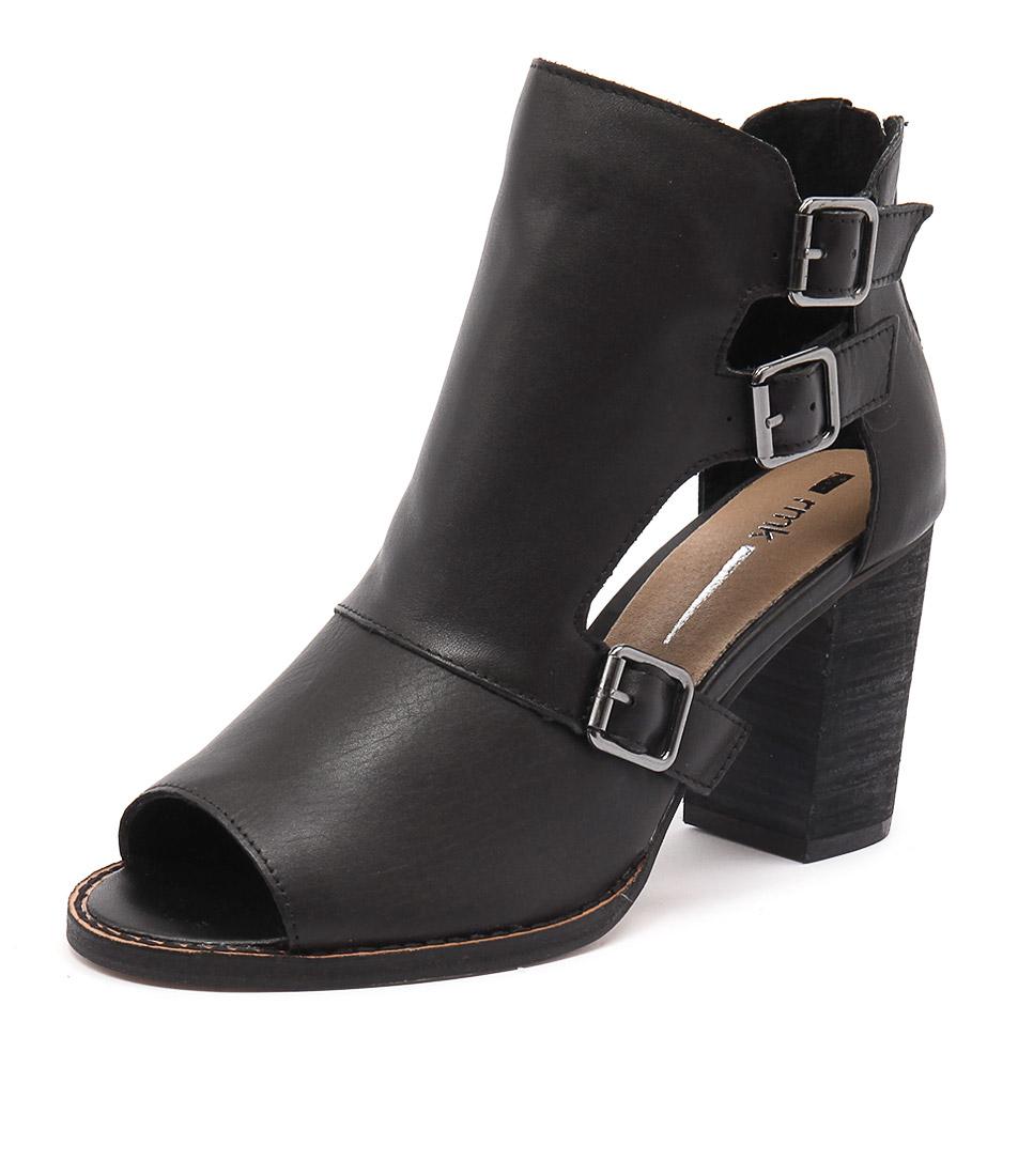 RMK Crucial Black Shoes