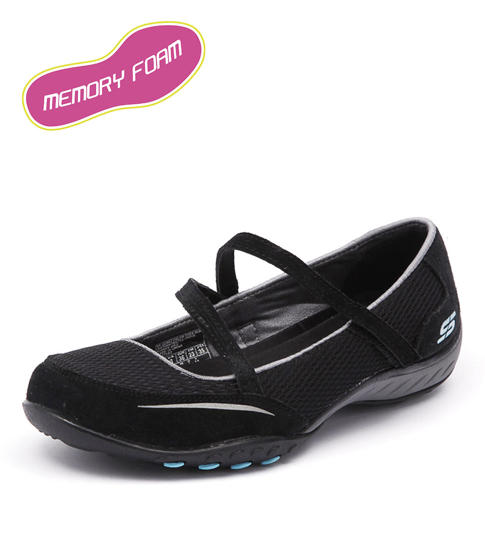 Skechers Breathe Easy Quittin Black Flats