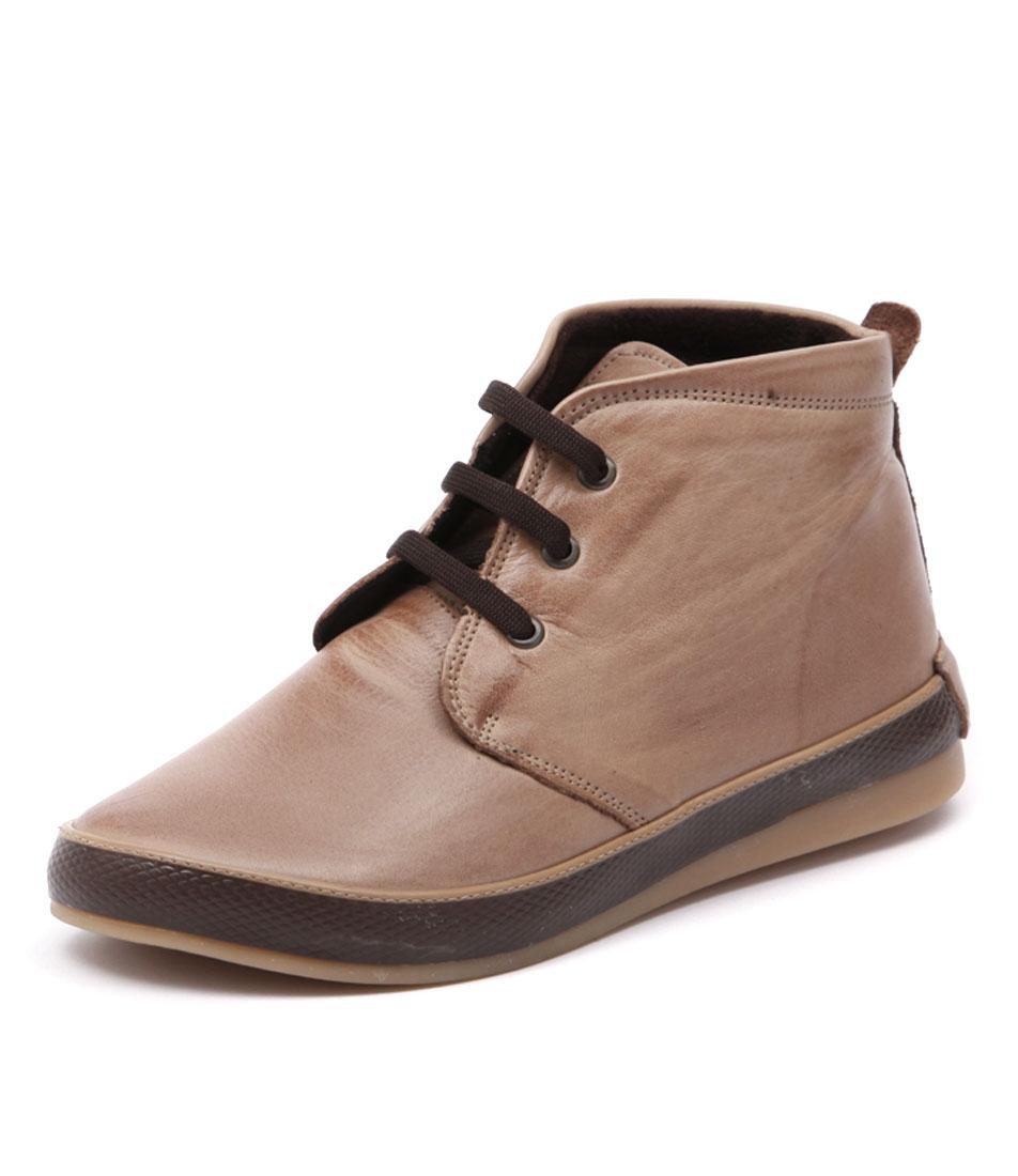 Stegmann Usher Beige Boots