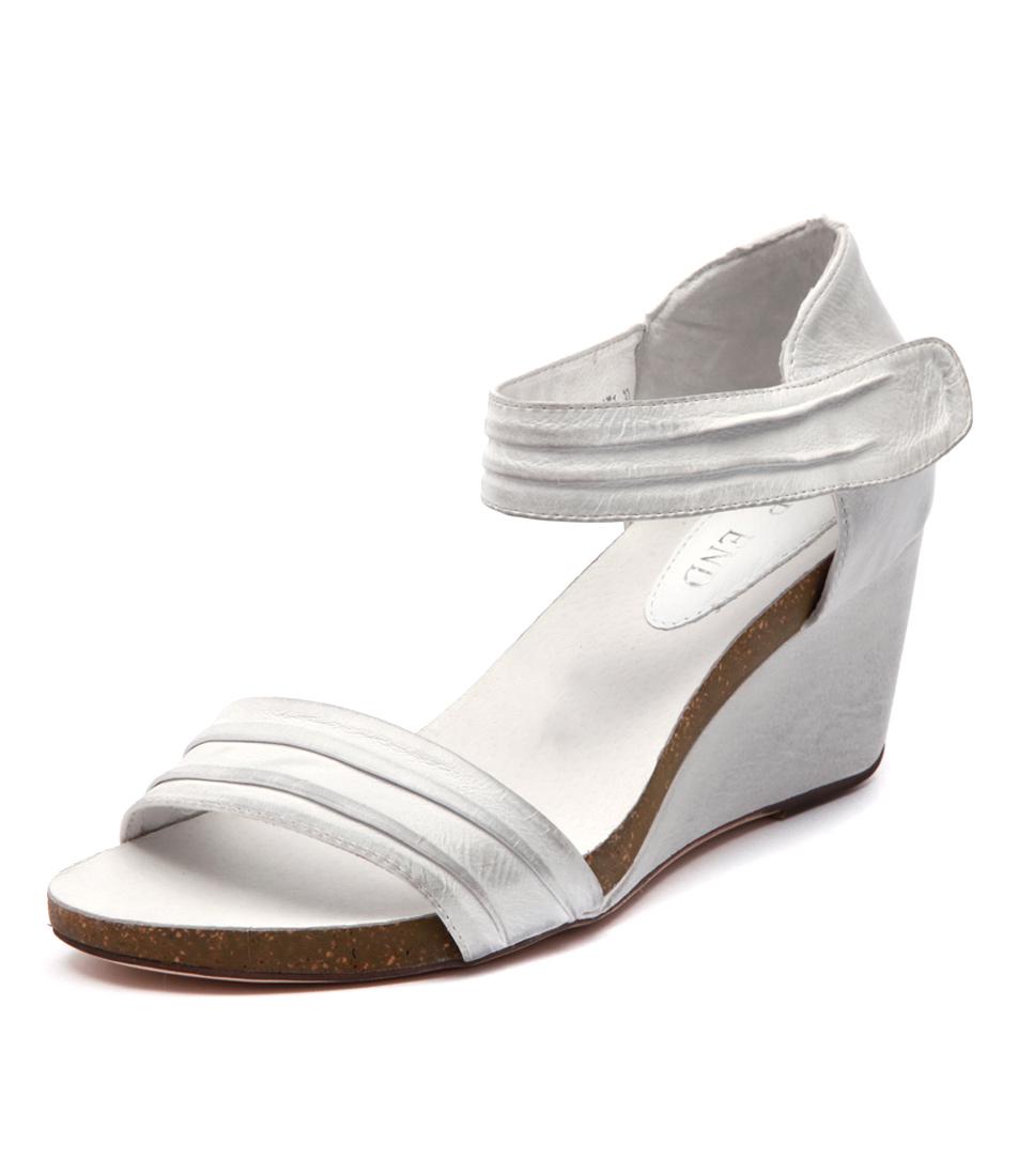 Top End Ruskatt Off White Sandals